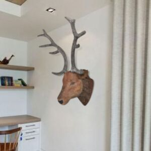 Naturaalse välimusega hirvepea seinakaunistus